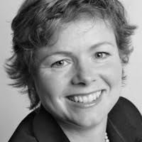 Anne Hjøllund er indhaver af domænet klartale.nu. Hun tager sig af det administrative